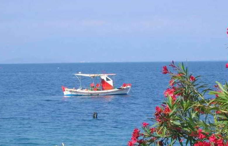 Holidays Inn Evia - Beach - 9