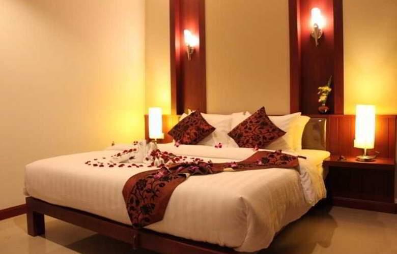 Patong Hemingways - Hotel - 0