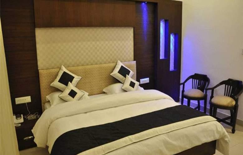The Pearl Hotel Delhi - Room - 2