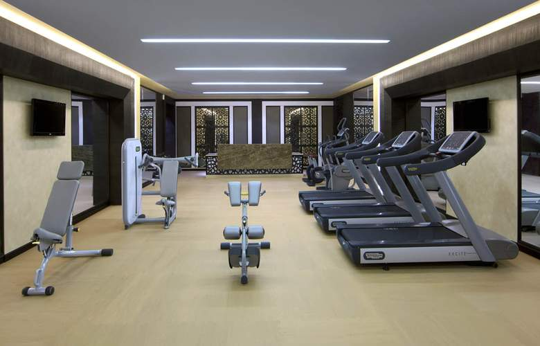 Al Mirqab Boutique - Sport - 4