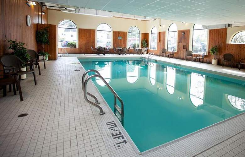 Best Western Glengarry Hotel - Pool - 84