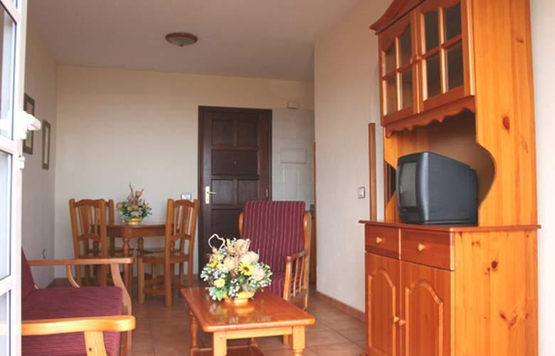 Apartamentos Oasis San Antonio - Room - 1