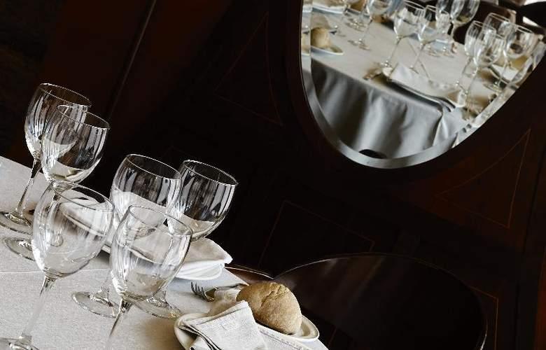 Carris Alfonso IX - Restaurant - 21