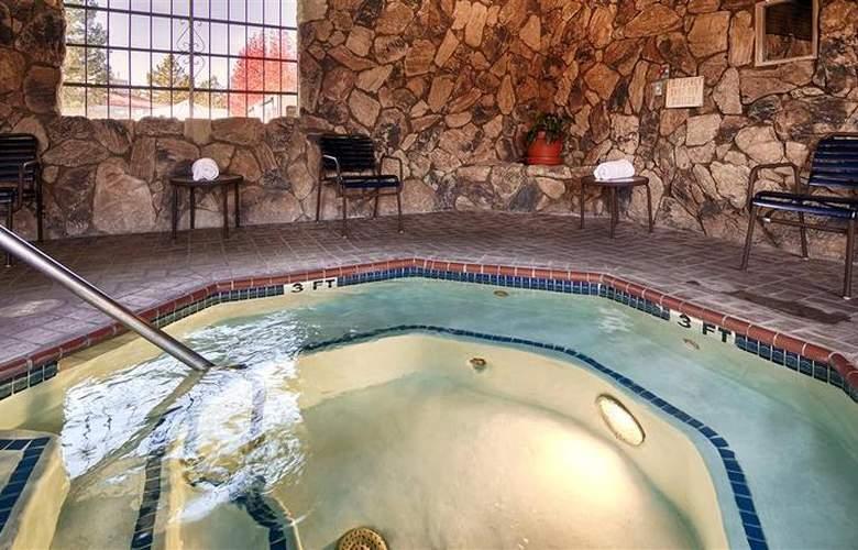 Best Western Inn - Pool - 11