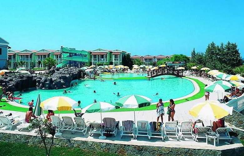 Majesty Club Tarhan Holiday Village - Pool - 0