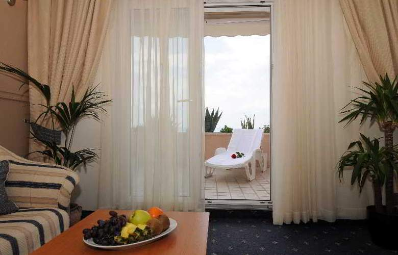HOTEL ROSINA - Terrace - 22