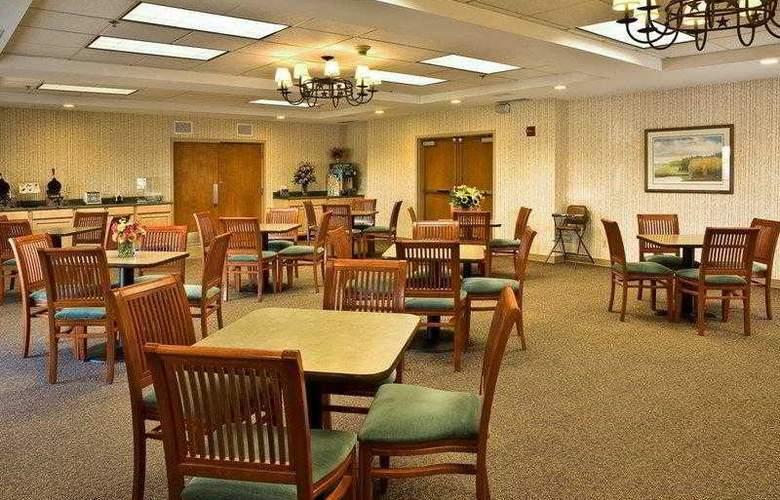 Best Western Rocky Mountain Lodge - Hotel - 11