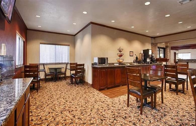 Best Western Edmond Inn & Suites - Restaurant - 49