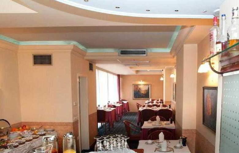 Glam Hotel - Restaurant - 4