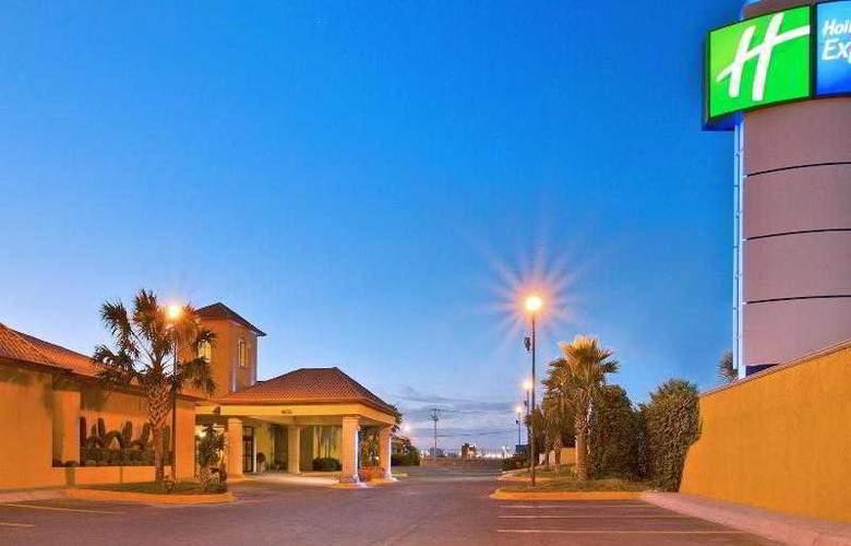 Holiday Inn Express Chihuahua - Hotel - 12