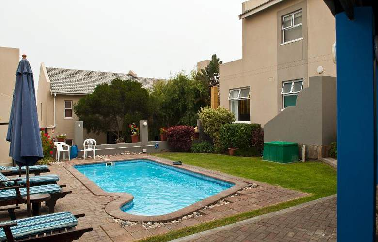 Protea Hotel Long Beach Lodge - Pool - 9