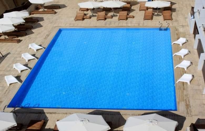 Sun Hall - Pool - 7