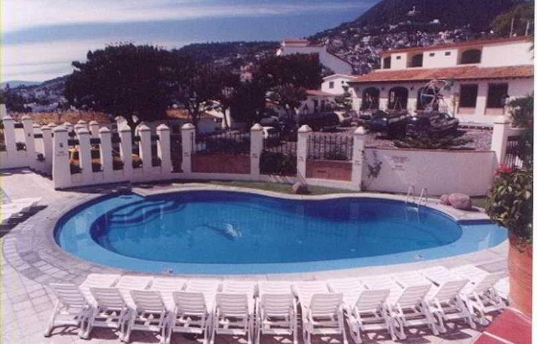 Loma Linda - Pool - 7