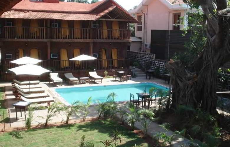 Ruffles Resort - Pool - 12