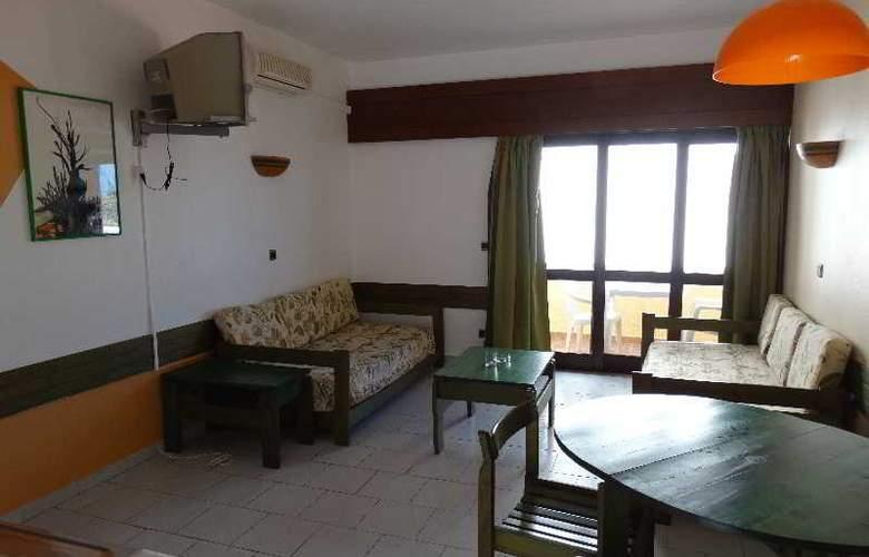 Turial Park - Room - 4