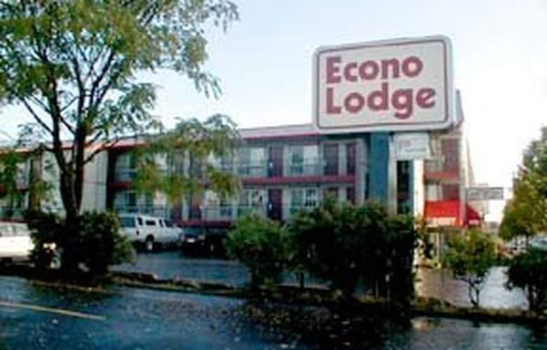 Econo Lodge East Port - Hotel - 0