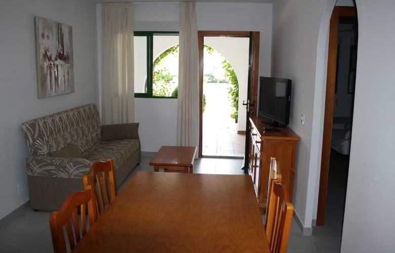 Apartamentos Torrelaguna - Room - 3