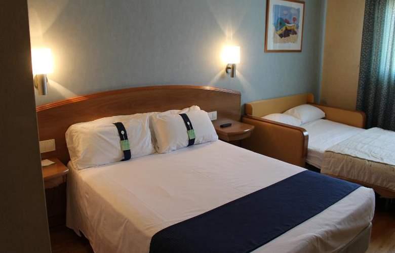 Port Alicante - Room - 8