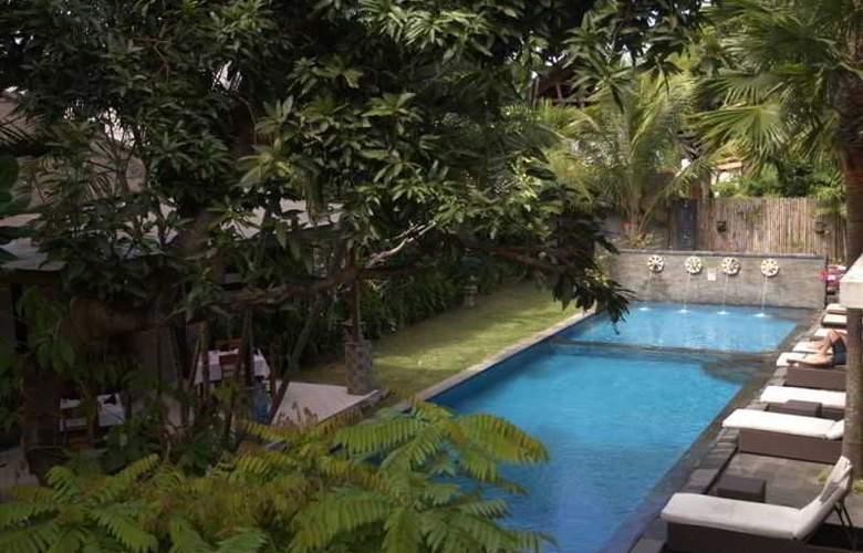 Puri Maharani Boutique Hotel & Spa - Pool - 24