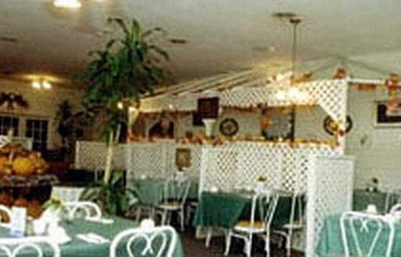 Hilltop Inn - Restaurant - 2