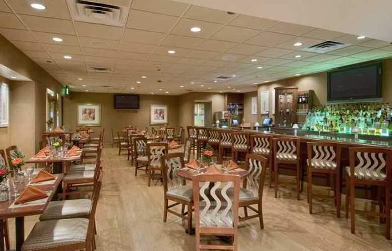 Hilton Newark Penn Station - Hotel - 10