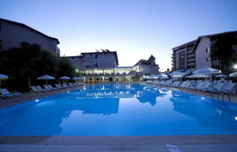 Club Bella Sun - Pool - 9