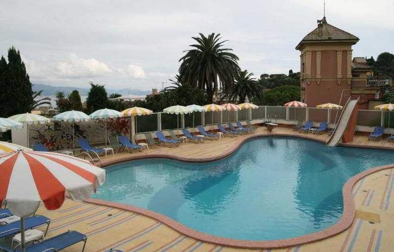 Park Hotel Suisse - Pool - 2