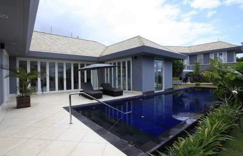 Villa Karang Selatan by Premier Hospitality Asia - Pool - 2
