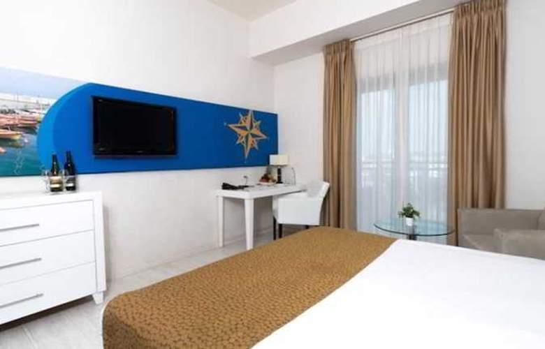 Ruth Daniel Residence - Room - 6