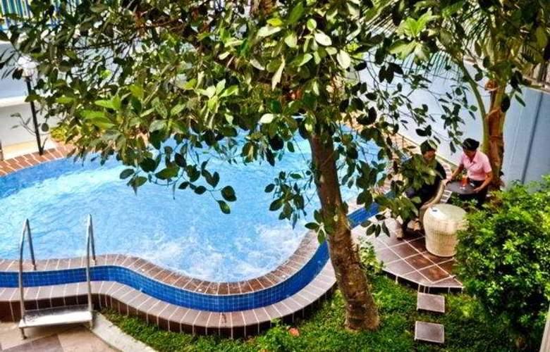 Lotus Luxury Villa - Pool - 10