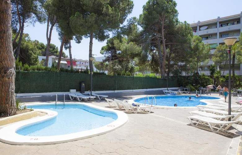 Mediterranean Suites - Pool - 7