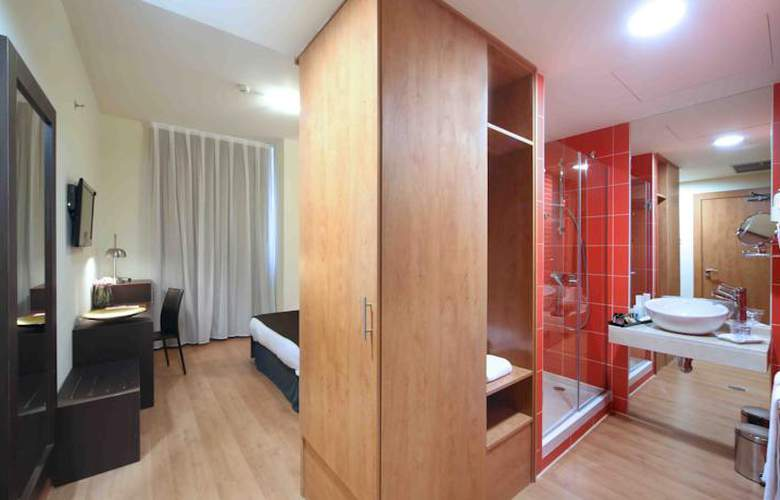 Dome Madrid Las Tablas - Room - 8