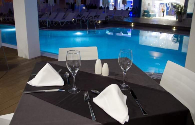 Triton Beach by Crea Hoteles (Sólo Adultos) - Restaurant - 17