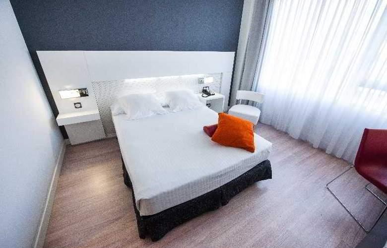 Axor Feria - Room - 2