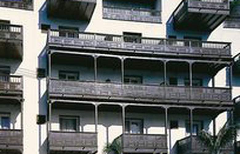 Monopol - Hotel - 0