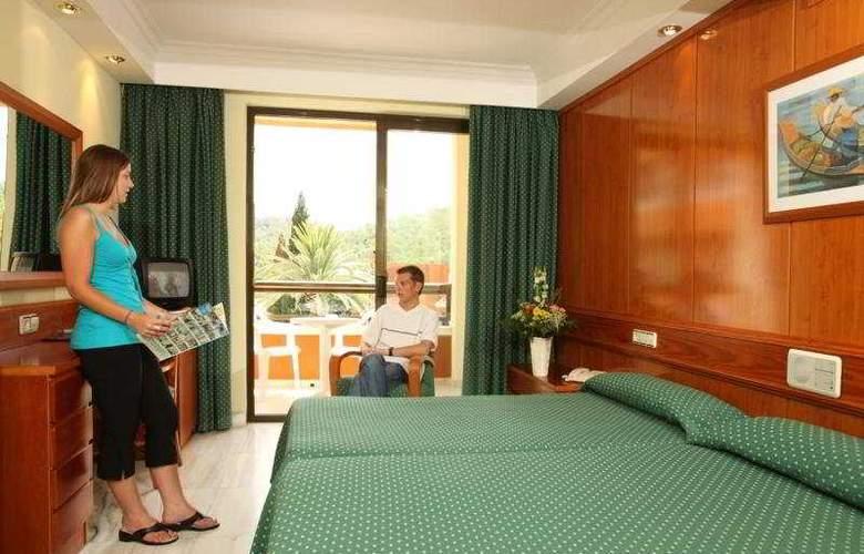 HSM Madrigal - Room - 3