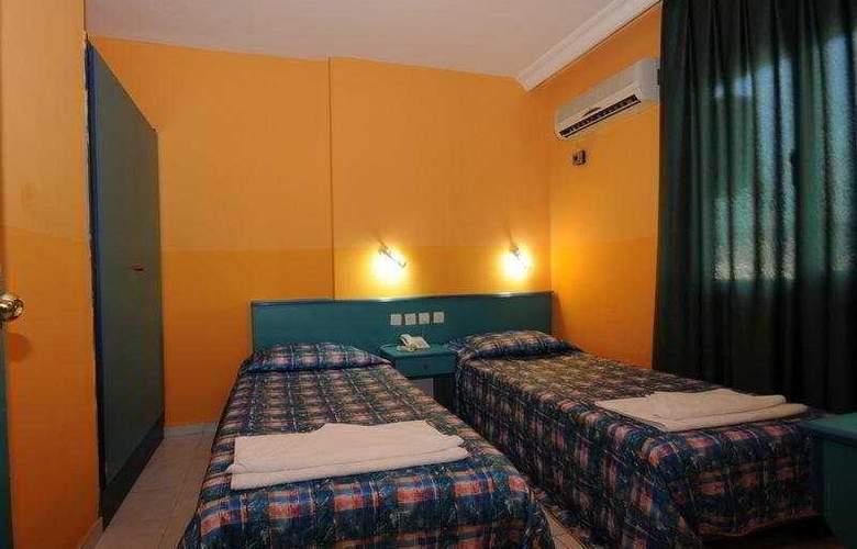 Golden Orange Apart II - Room - 4