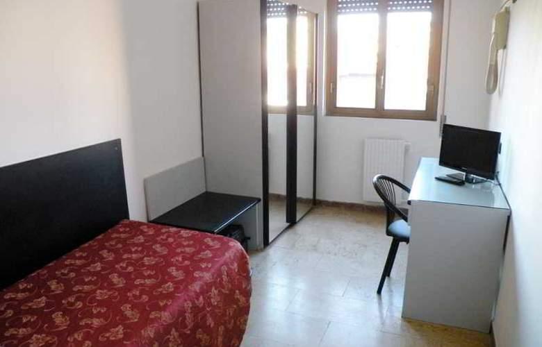 Virgilio - Room - 6