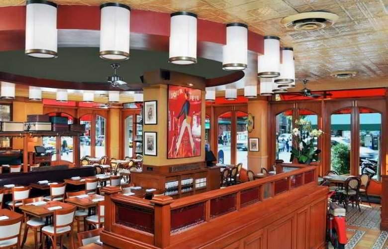 Hilton Garden Inn Times Square - Restaurant - 2