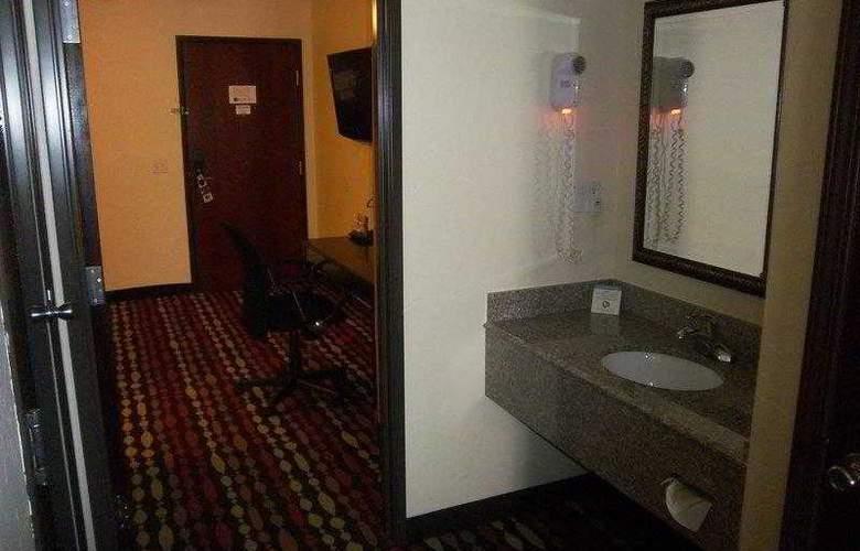 Best Western Greentree Inn & Suites - Hotel - 24