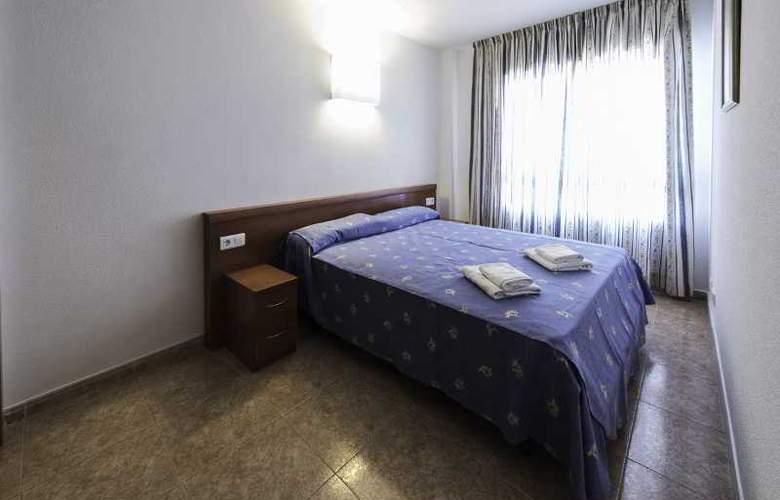 Pineda Park - Room - 12