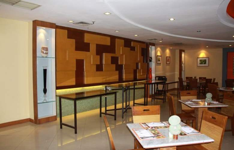 Ibis Mangga Dua & Apartments - Restaurant - 13