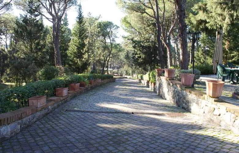 Villa Cesi - Hotel - 15