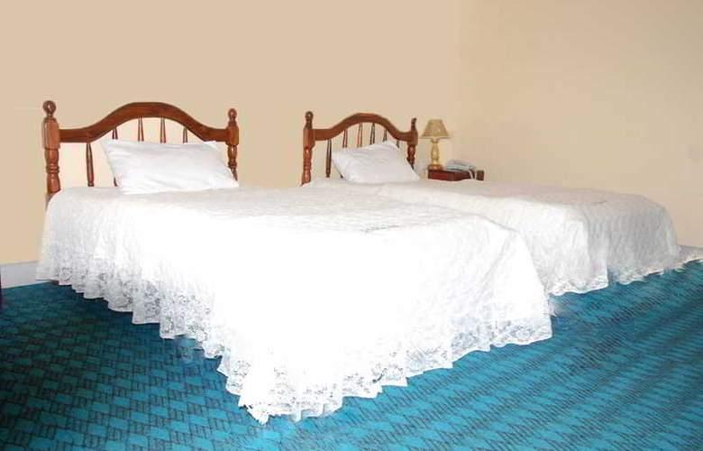 Centra Inn - Room - 2