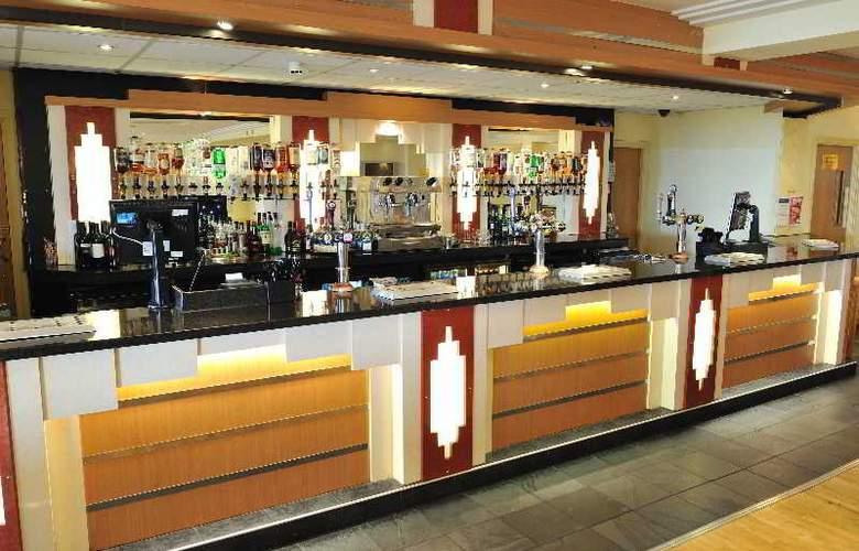 Carousel Hotel - Bar - 2