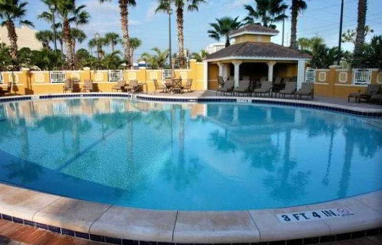 Radisson Lake Buena Vista - Pool - 5