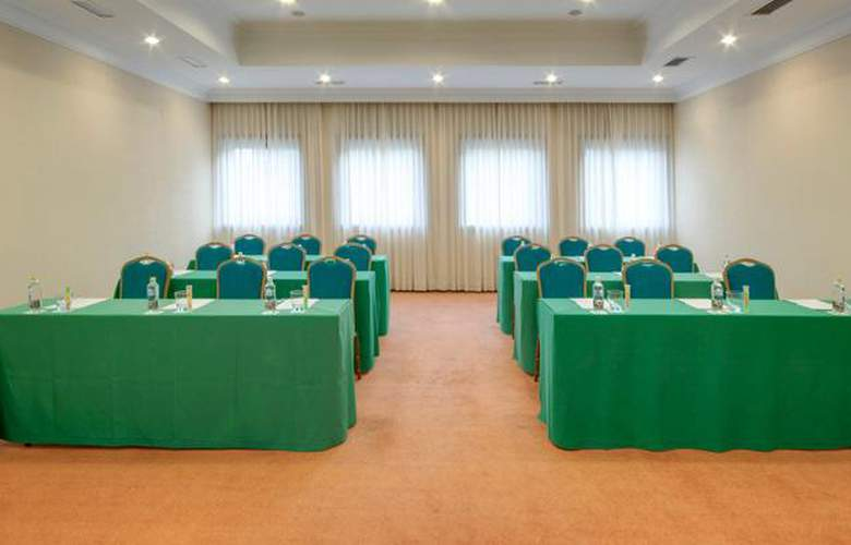 Tryp Santiago - Conference - 4
