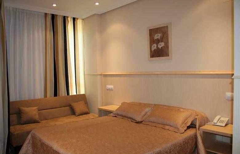 Suites Feria de Madrid - Room - 10