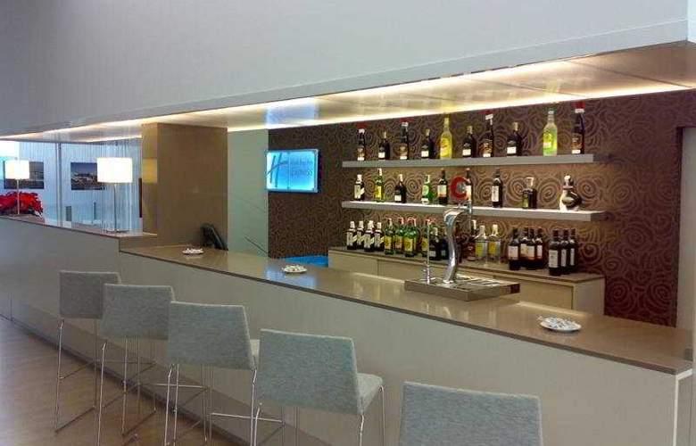 Holiday Inn Express Madrid Leganes - Bar - 3