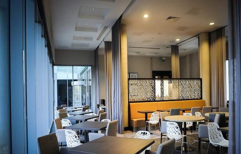 Heston Hyde - Hotel - 2